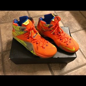 LEBRON Xll Nike neon orange/yellow -sz 11